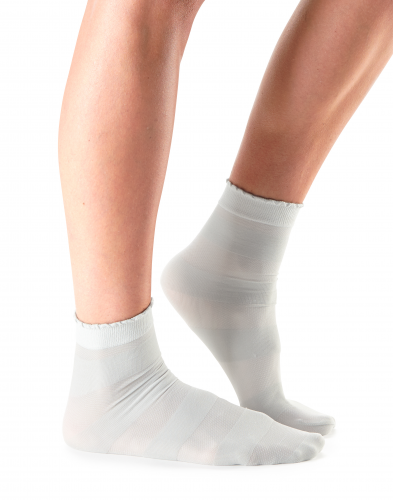 Casual Sheer Cassie Stripe Socks in Cloud