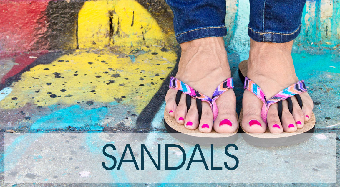 4-toe post Sandals and Flip Flops by ToeSox